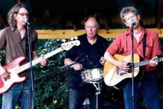 John Magnuson trio