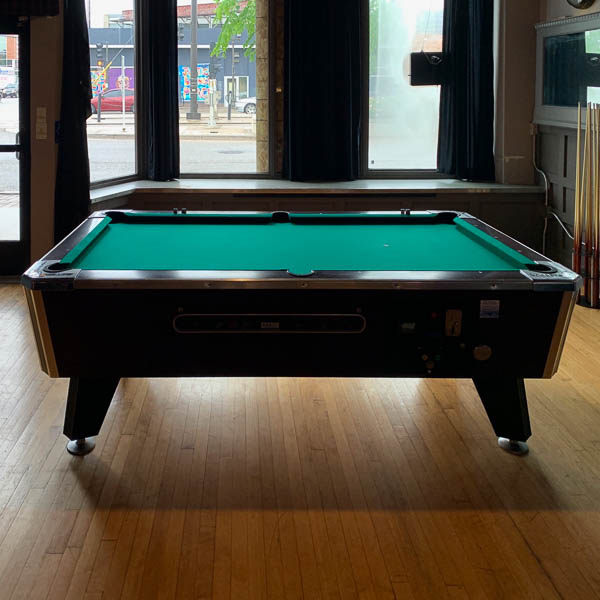 gamers-lair-pool-table